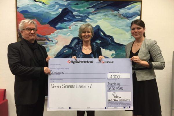 Spendenübergabe der HypoVereinsbank in Gersthofen
