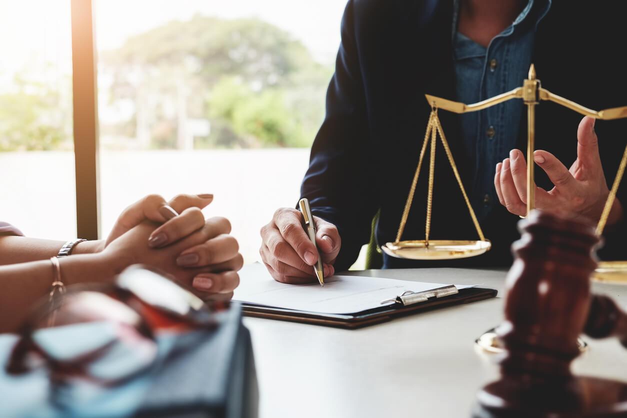 Eltern vor Gericht Straf-Vollzugsrecht